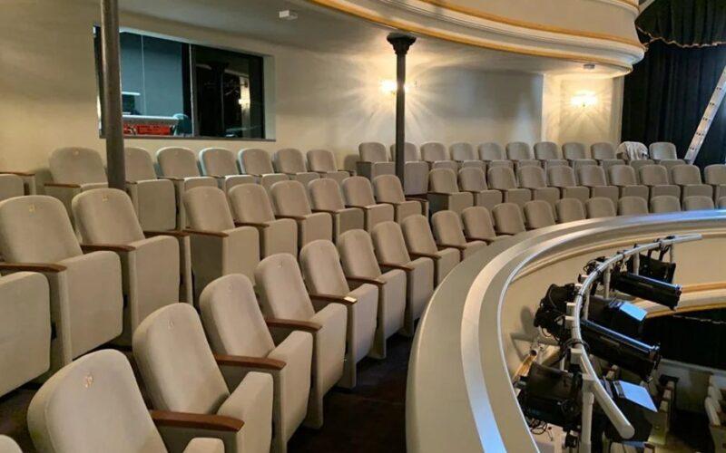 konferans-tiyatro-koltuk-projeleri-38